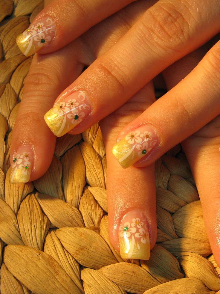 Nageldesign: gelb-goldenes French mit Airbrush