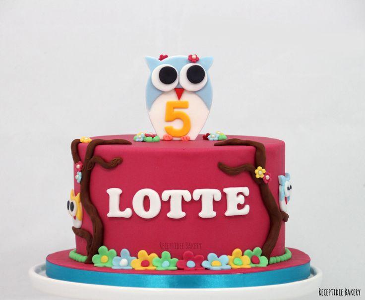 Uiltjes taart    Gefeliciteerd met je verjaardag Lotte!   #uiltjestaart #uil #owl #owlcake #cake #vanillecake #taart #vanillecreme #aardbeiconfiture #fondant #botercreme #hoera #gefeliciteerd #verjaardag #verjaardagstaart #birthdaycake #birthday