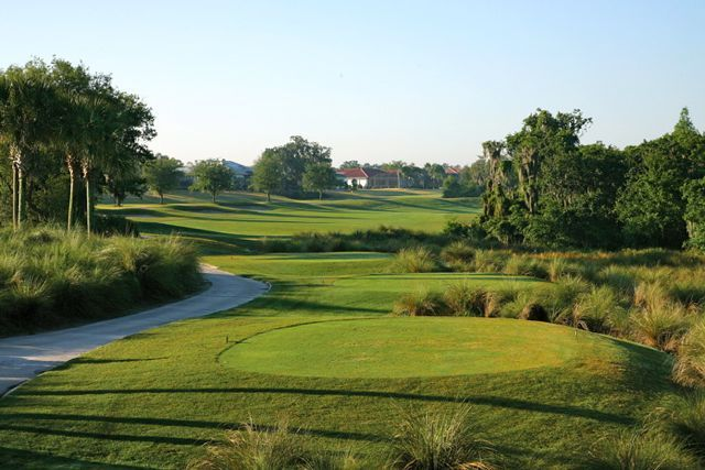 No. 16 Kings Point in Sun City Center, FL   Sun City Center Florida is a golfer's paradise. In the greater Sun City Center area there are eight golf courses that offer 162 holes of golf. Three of these courses are located within the boundaries of Kings Point.