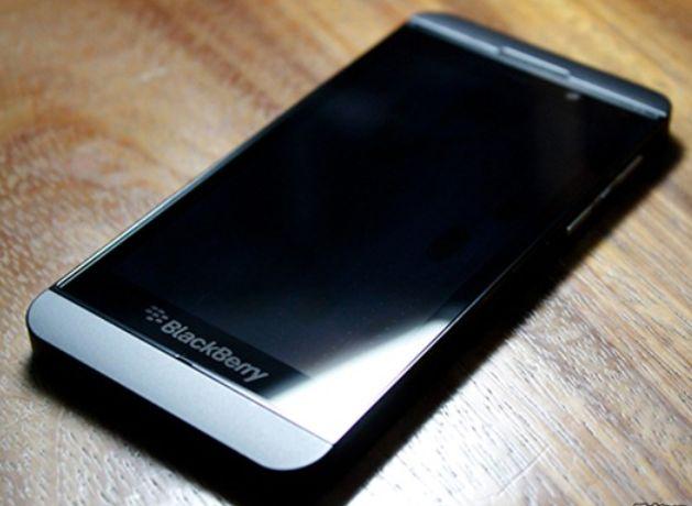 Sahibinden - Satılık - Telefonlar - Ürünler: KORE ÜRÜNÜ blackberry z10 350 TL