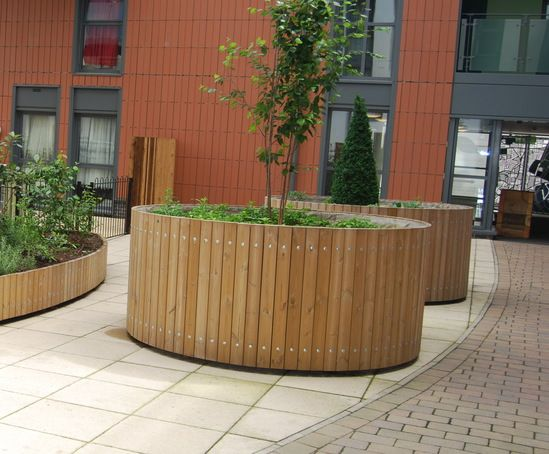 Swithland circular planters