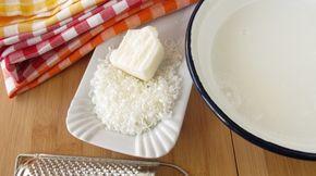 Wenn ihr keine Waschnüsse oder Kastanien verwenden wollt, dann könnt ihr mal Folgendes ausprobieren. Rezept für 1 Liter flüssige Seife.