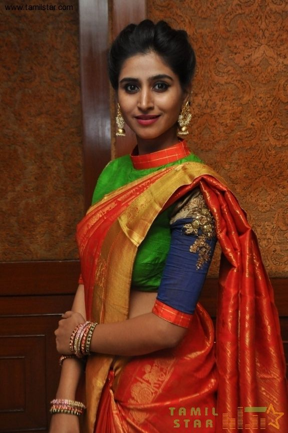 Actress Shamili New Gallery - Image 7 of 20
