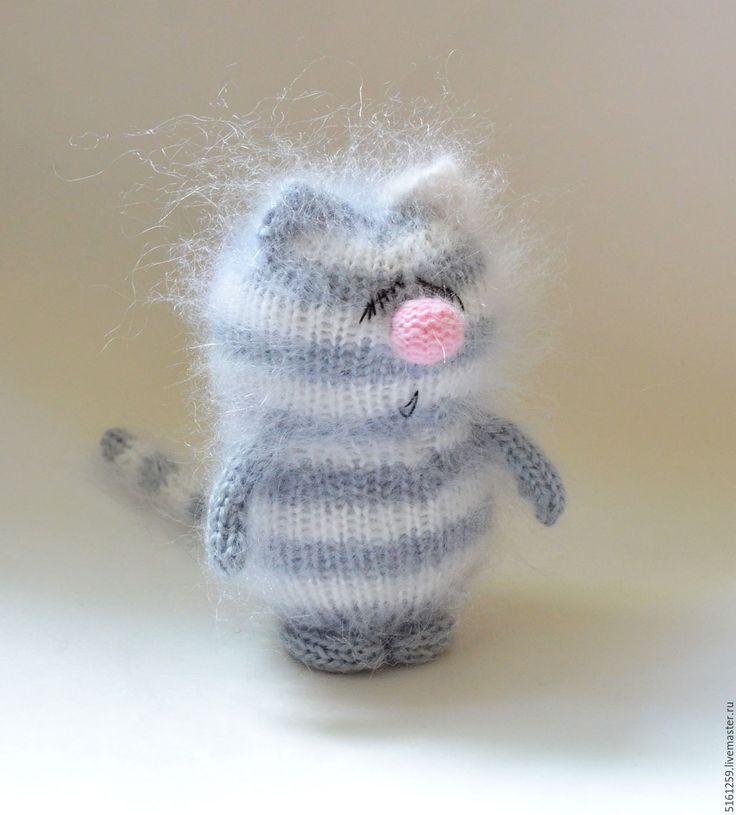 """Купить Вязаный котик """"Спящий"""" ( Амигуруми / коты / мягкие игрушки пушистые )"""