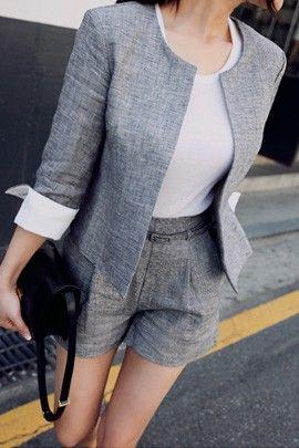 【11AM】セパレートでコーデしてもセットアップでコーデしてもオシャレに決まるセットアップ商品です☆女性らしいノーカラータイプで袖を一折りしたとき見える配色が魅力的なジャケットと、セミハイウエストデザインのベルト付きショートパンツで構成されています。リネン素材ならではの通気性で夏まで涼しげに着こなせる優れもの*★