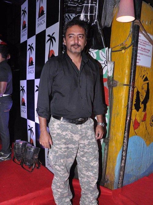 Global Party by Hawainn Shack - Randhir Kapoor, Luke Kenny, Ravi Behl, Dalip Tahil