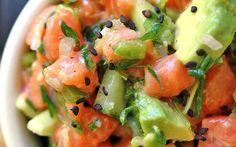 Zalmtartaar met avocado, gezond en lekker koolhydraatarm vis gerecht. Onderdeel van de koolhydraatarme gobento.nl weekmenu's.