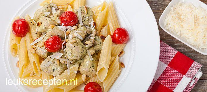 pasta met kip pesto: Pasta Recipes, Met Romig, Paste The Year, Pasta Recepten, Hoofdgerechten Met, Met Pasta, With Chicken, Recepten Pasta, Kip Pesto