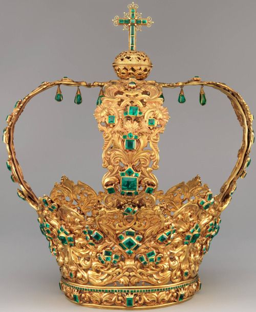 museum-of-artifacts: The Crown of the Andes, a rare surviving example of 17th and 18th century colonial Spanish gold work, the oldest and largest collection of emeralds in the world and the oldest surviving emerald and gold crown or tiara,
