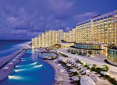 Cancun, Mexico, was built for tourism.There you will find white beaches, crystalline waters, archaeological sites, modern amenities and service philosophy.Find the best hotel deals here - http://search.traveldealsweekend.com/City/Cancun.htm