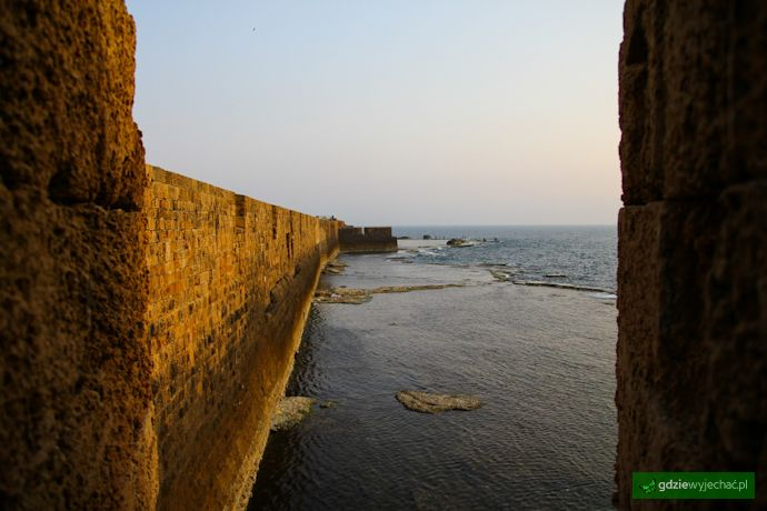 Akka, Izrael, mury obronne od strony morza #Akka #Israel Więcek o Akce: http://gdziewyjechac.pl/17325
