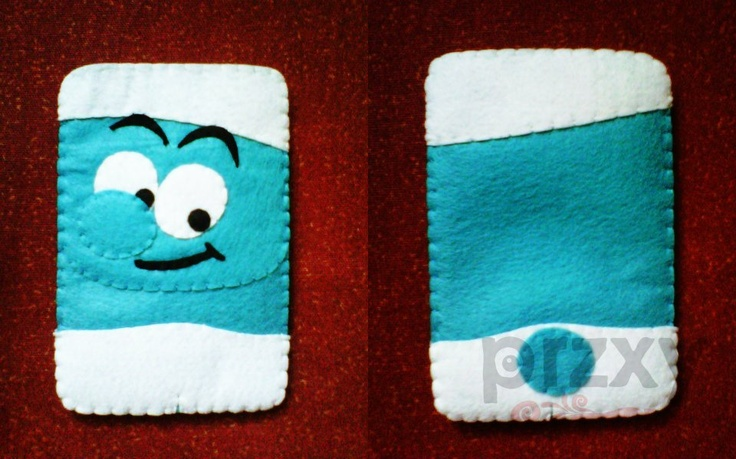 Love this Smurfy cell phone cover!