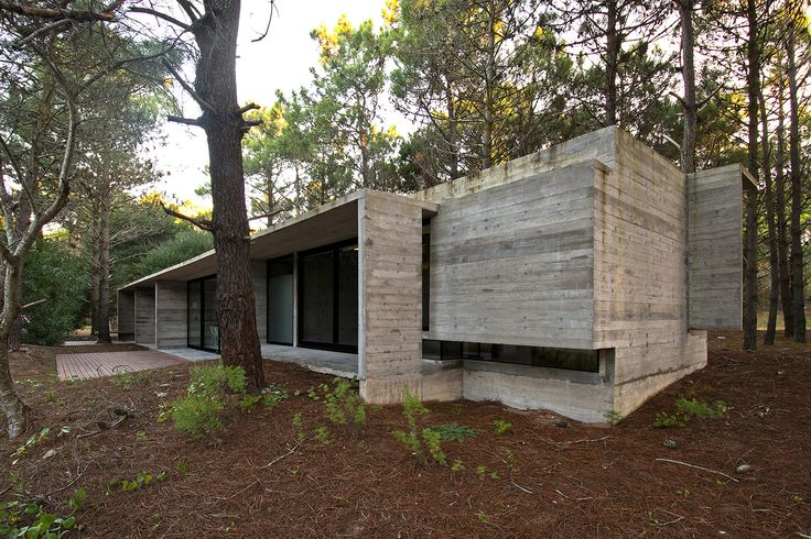 Casa SV / Luciano Kruk Arquitectos