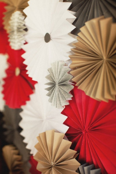 pinwheels for V day: Photos Booths, Colors Combos, Paper Pinwheels, Wedding Colors, Colors Schemes, Backdrops Ideas, Photos Backdrops, Pictures Quotes, Photography Ideas