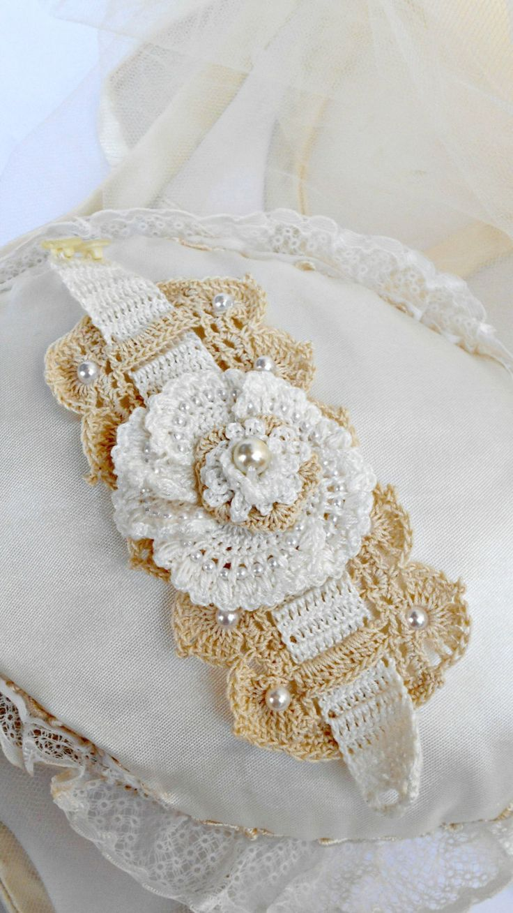 Lace Cuff/Boho Chic Jewelry / Crochet Jewelry / Boho Chic Statement Cuff / Wedding Bridal Corsage Wrist/ Ivory/ Bracelet / Bridesmaid/ by LAlabastroCreazioni on Etsy