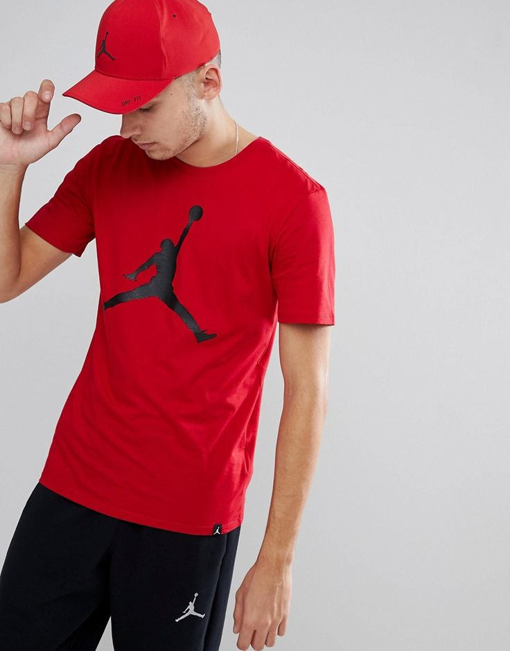 Get this Jordan's printed t-shirt now! Click for more details. Worldwide shipping. Nike Jordan T-Shirt With Large Logo In Red 908017-687 - Red: T-shirt by Jordan, Supplier code: 908017-687, Crew neck, It's classic you, Short sleeves, Branded design, Fixed cuffs, Regular fit - true to size. Ever since his game-changing jump shot sealed the 1982 NCAA Championship, Michael Jordan has been setting new standards in scores and style for basketball. After first wearing his original Air Jordan Is in…