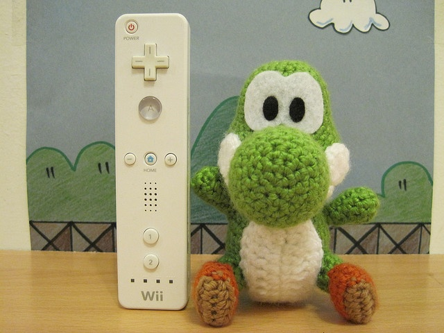 I think i need a little crochet Yoshi.. :)