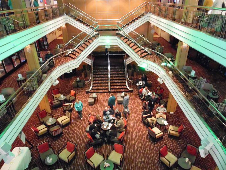 P&O Pacific Pearl cruise ship - Atrium