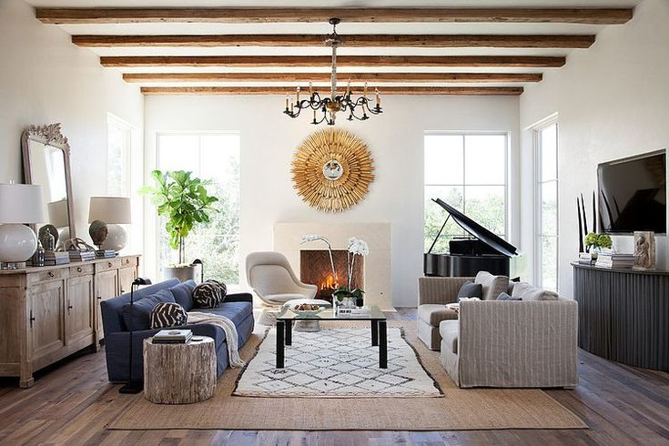 Living room with 2 focal points