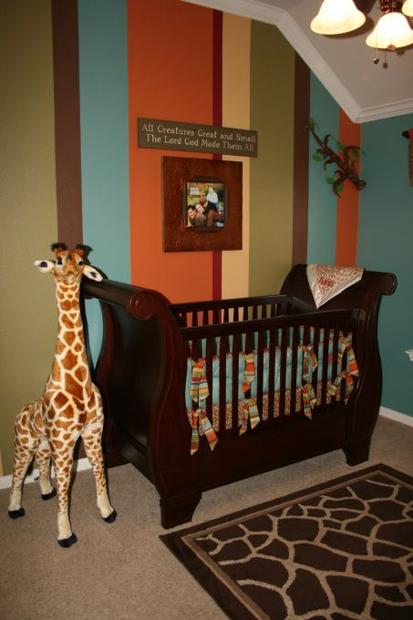 LOVE LOVE LOVE this for a little boy's room... the paint, bedding and giraffe!