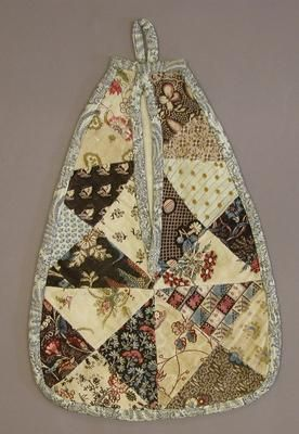Patchwork pocket, late 1700s- early 1800s © The Trustees of the National Museums of Scotland