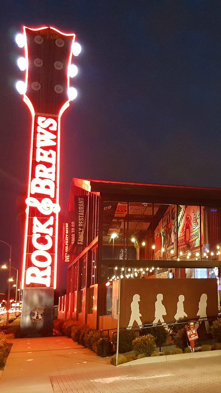 Rock And Brews Buena Park For Food And Fun Socal Southern
