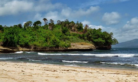 Pantai Coro - https://panwis.com/