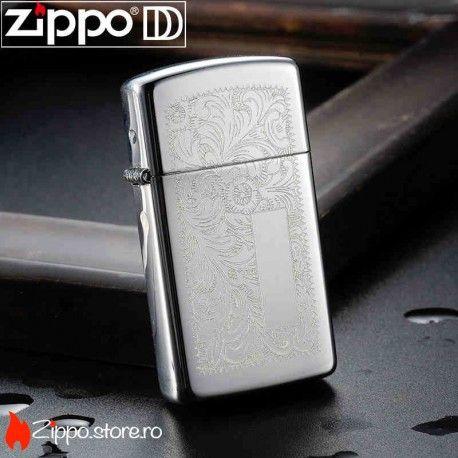 Zippo Venetian Chrome Slim este o bricheta Zippo high polish chrome cu un model superb floral, pe ambele fete ale brichetei. Acest design nemuritor lansat in 1974 continua sa fie unul din cele mai atragatoare modele pentru fanii Zippo.