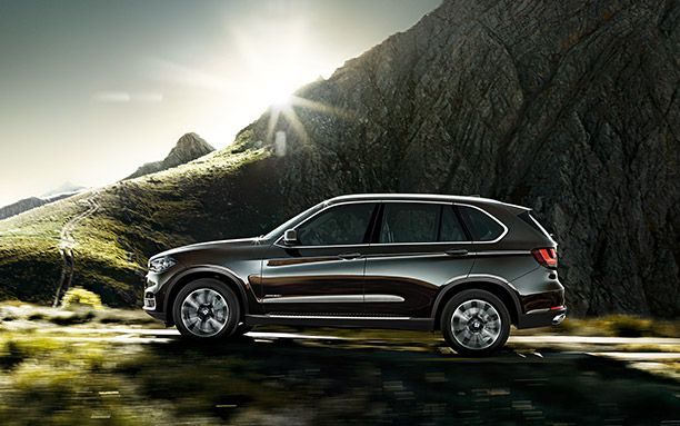 BMW-X5-Has-a-Large-Size-Cabin-Side.jpg (612×383)
