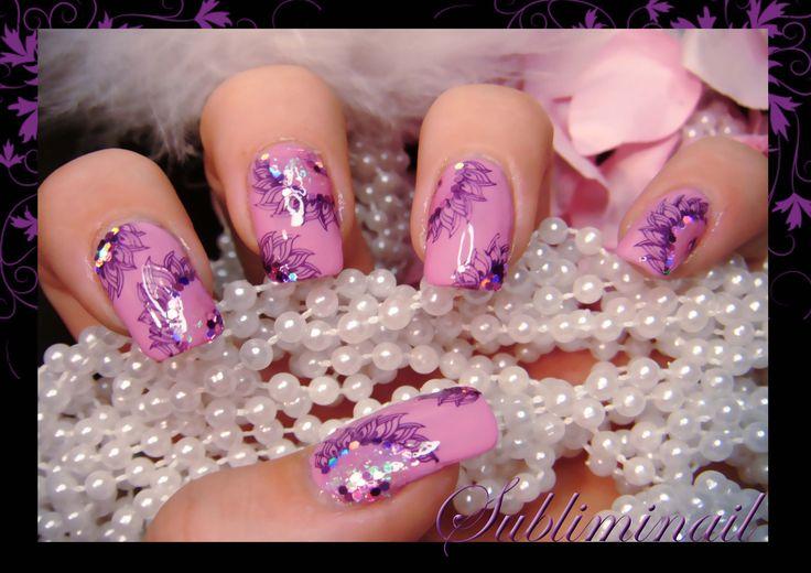 Nail art stamping et paillettes