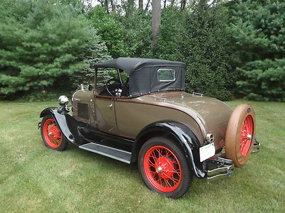 Ford : Model A Convertible 1928 Ford Model A Roadster - Restored Rumble Seat Convertible