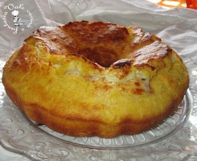 Ciambellone+salato+con+prosciutto+e+formaggio