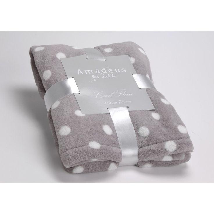 17 best images about plaids couvertures on pinterest. Black Bedroom Furniture Sets. Home Design Ideas