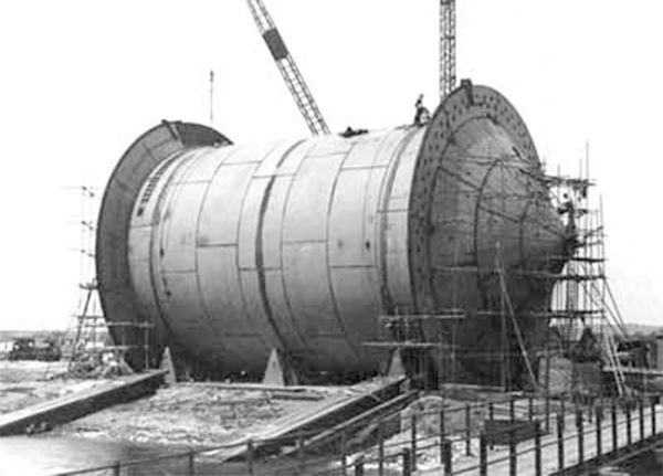 12 Aug 44: Operation PLUTO (Pipe-Lines Under The Ocean): The world's first undersea oil pipeline is laid between England and France 70 nautical miles from the Isle of Wight through the English Channel to the Cherbourg peninsula and is considered one of history's greatest feats of military engineering. #WWII