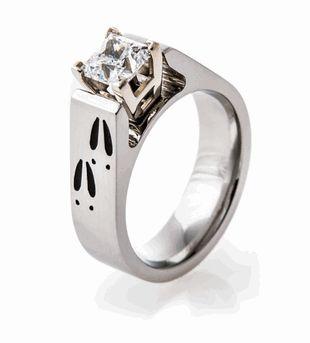 Deer Track Engagement Ring, Animal Track Rings - Titanium-Buzz.com