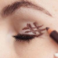 De perfecte smokey eyes: doe de #-truc - Beauty - Flair