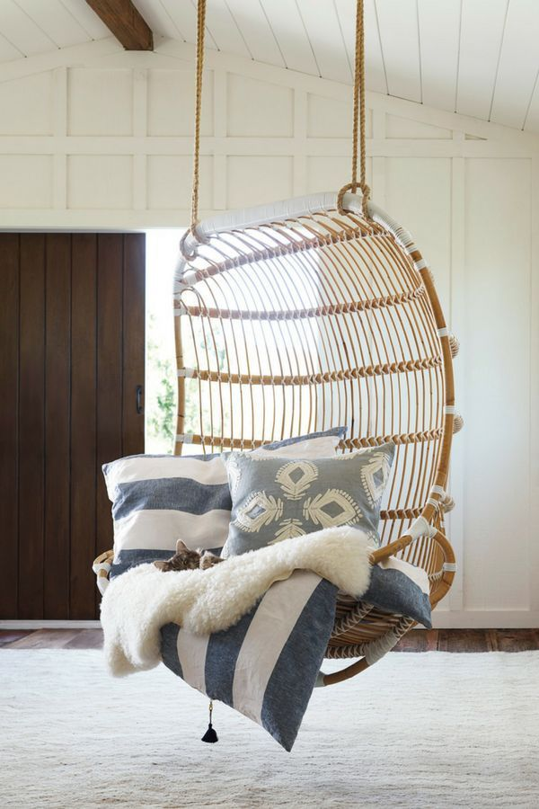 I D Happily Put This Hanging Chair In My Bedroom Living Room Or Even Outdoors I Just Want To Relax And Swing Hanging Chair Hanging Rattan Chair Rattan Chair