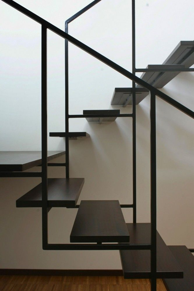 Escadas de ferro inspiradoras.