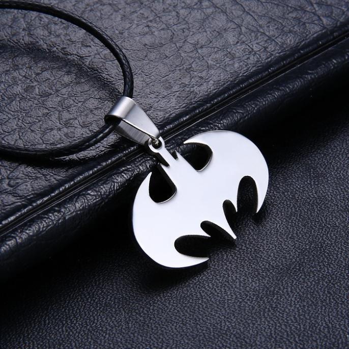 Drop Shipping Moda Biżuteria Slippy Bat Batman Znak Wisiorek STAL Nierdzewna 316L Naszyjniki łańcuch skórzana Mens Naszyjniki