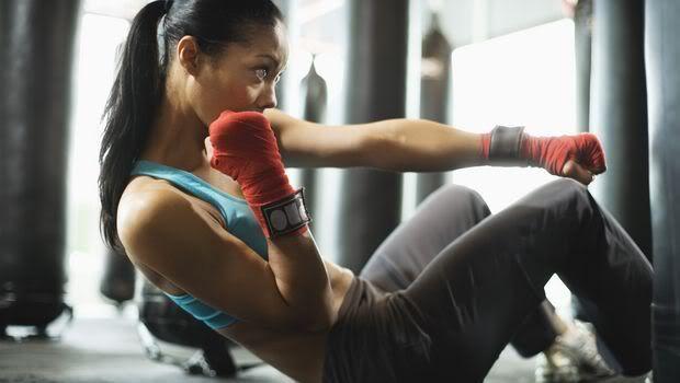 Del 6Utfør 10 Burpees og 10 pushups hver 2 minutt. Det vil da si at jo kjappere du fullfører settene jo lengre hvile får du. Dette gjentar du 5 ganger!  Økten kan utføres på morgenen om du ønsker en liten kickstart på dagen eller etter en treningsøkt. Gjerne etterfulgt av at du GÅR hjem fra gymmet når du er ferdig.  Dette skal du utføre 3 ganger denne uken! I`ll be watching you! Hvem er med???