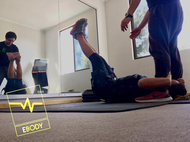 Después de la gran asistencia junto a nuestra @nutricionista.alejandracuevas seguimos complementando nuestros entrenamientos...a moverse marca la diferencia. No olvides agendar tu hora . : ciudadvalles@ebody.cl/#whatsapp: 56948076133 / 56956092726 #ebody #ebodyciudaddelosvalles #ebodypudahuel #ems #electroestimulacion #entrenamiento #trainingday #deporte #fitness #salud #nutricion #kinesiologia #electrofitness #ciudaddelosvalles #lomasdeloaguirre #montesdeizarra #pudahuel #santiago #chile