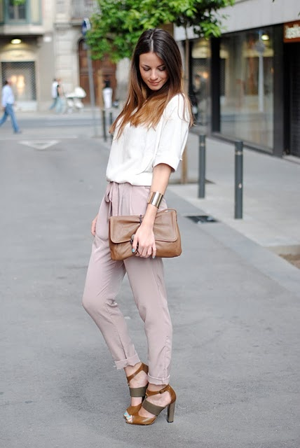 Cropped pants, mint nails, neutral colors, and strappy shoes