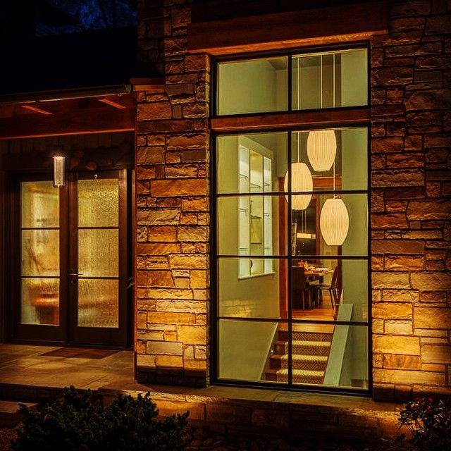We love how the windows and light fixtures combine for a stunning statement!#WindowWednesday #windsorwindows #paradecraze #homedesign #interiordesign #pendantlights #home #house #windows  #thompsonwindowsanddoors #brick #exteriorlighting