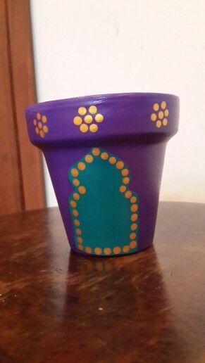Nº 10 - Macetas pintadas a mano. Violeta. Purple Flowerpot. Moroccan style. Facebook: A'cha Pots. achapots@hotmail.com