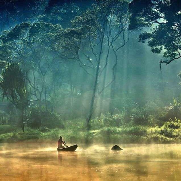 Parque natural de Situ Gunung, Sukabumi, Indonesia #SituGunung #Indonesia #Sukabumi http://www.pandabuzz.com/es/imagen-ensueno-del-dia/situ-gunung-sukabumi-indonesia