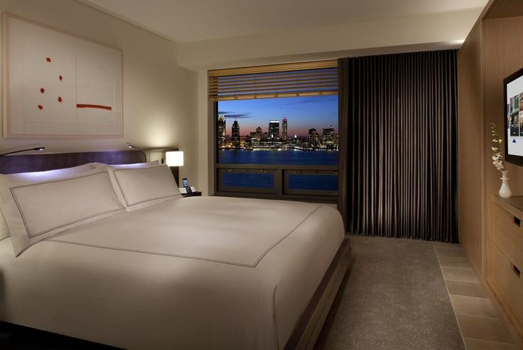 Superior Riverview Suite - bedroom