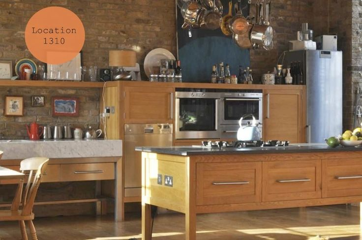 I am obsessed with Jamie Oliver's kitchen from 30 minute meals. I need it!!
