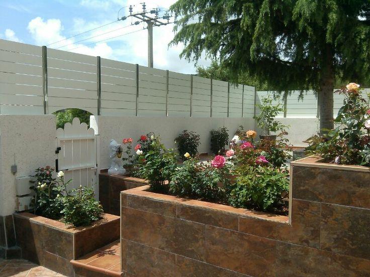 Valla compacto fenolico en lamas color blanco jard n for Decoracion jardin grande