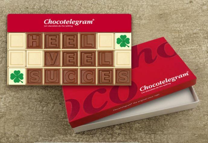 Zorg voor een origineel cadeau! Zeg het met chocolade, valt altijd in de smaak!  21 letters naar keuze, in melk, witte of pure CALLEBAUT chocolade