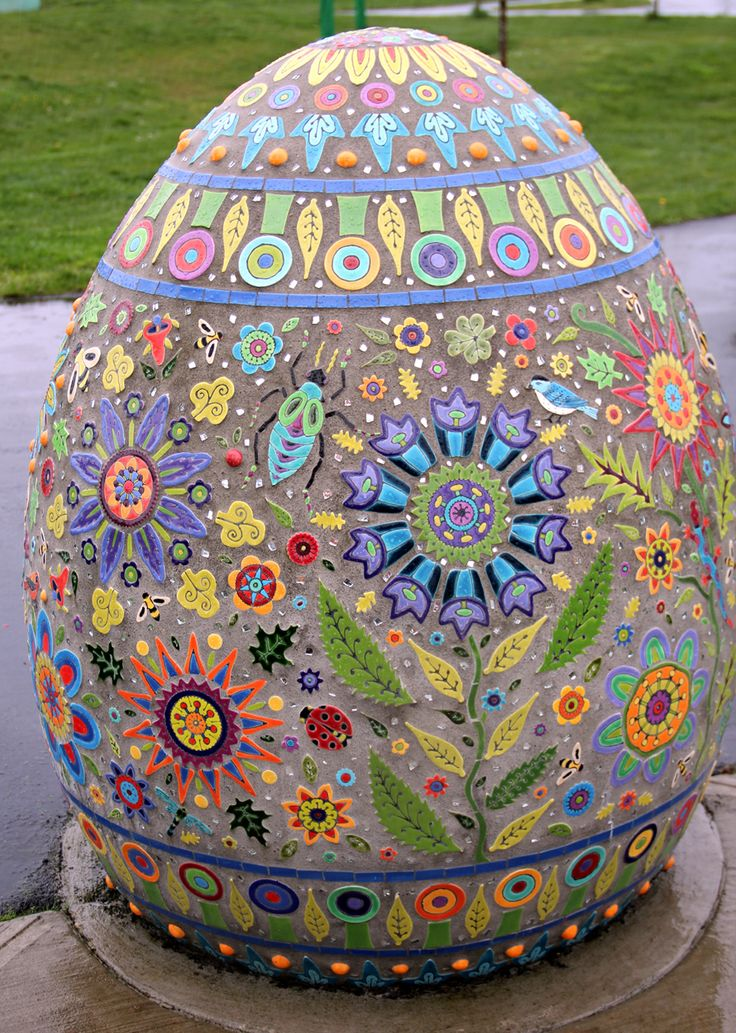 Clare Dohna's mosaic sculpture at a children's school playground in Tacoma, WA